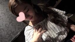 【個人撮影】ユリア20サイ 漫喫でこっそり全裸パコパコ!の写真。
